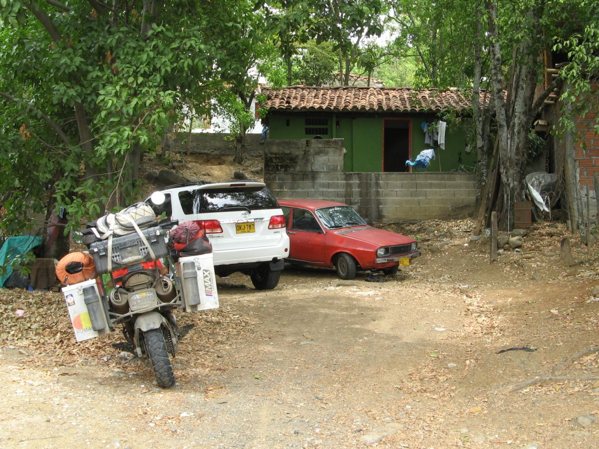 468 cars colombia