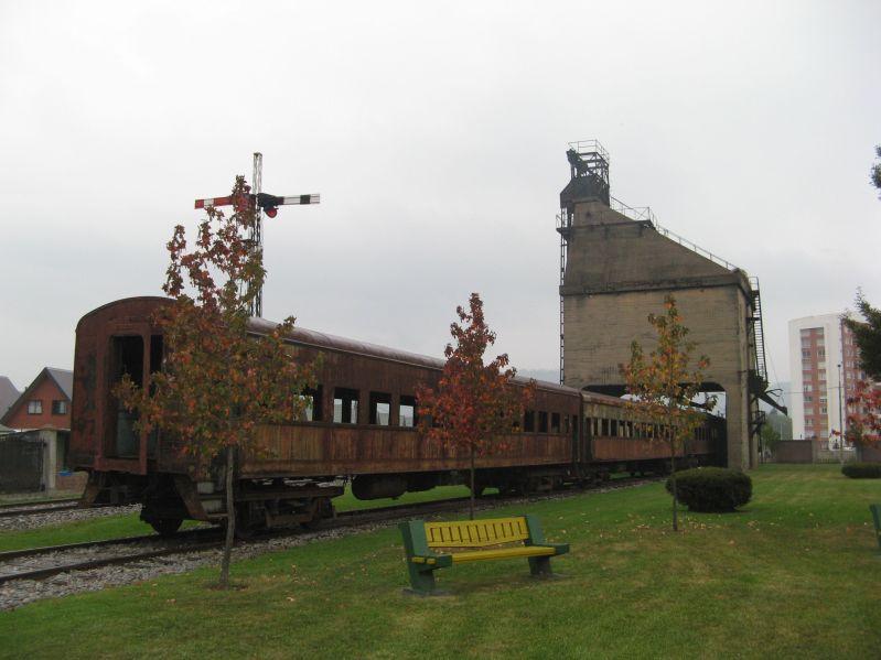 901 train