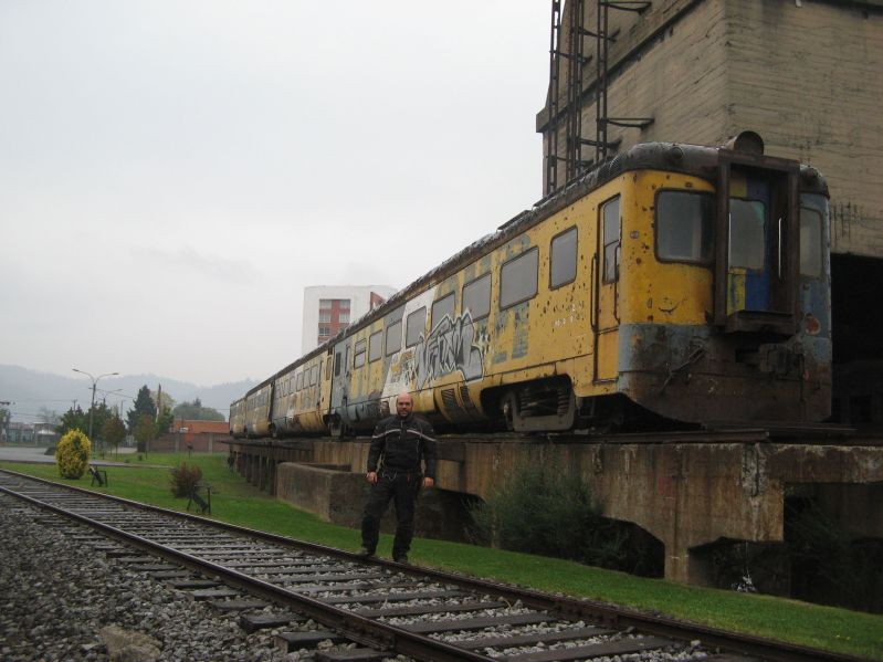 902 train