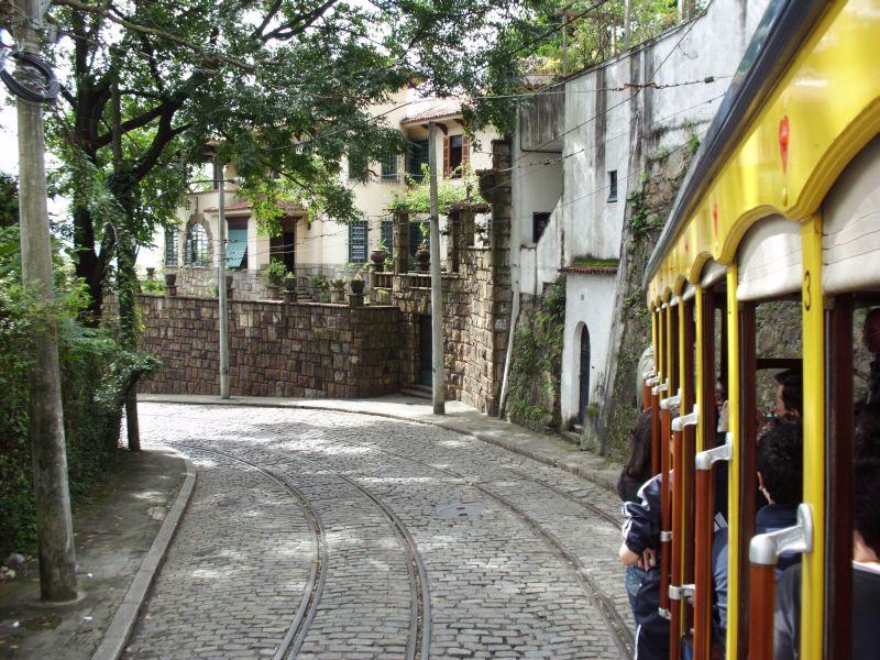 1095 tram